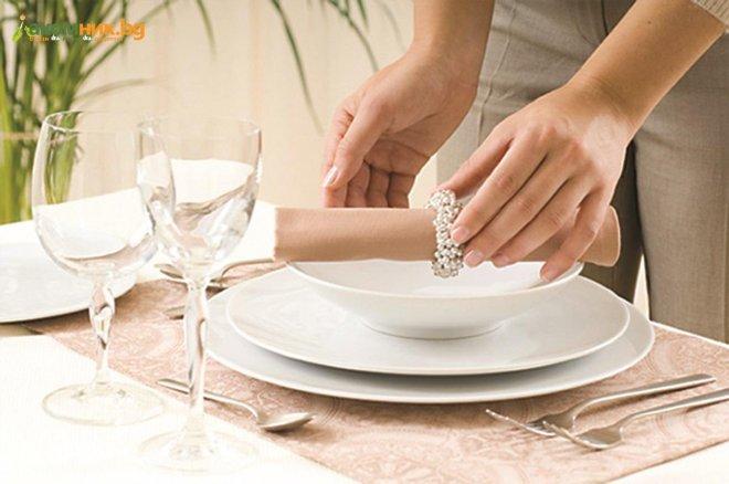 Етикетът на сервиране е визитката на домакинята