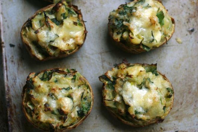 Пълнени картофи с коприва и сирене
