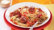 Пилешки кюфтенца със спагети