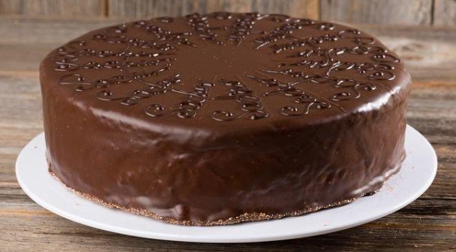 Шоколадова торта с крем Брюле