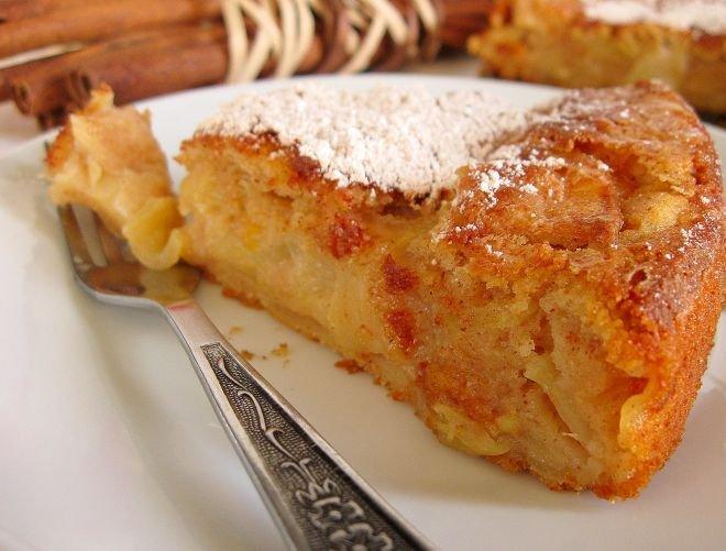 Лесен кекс с ябълки