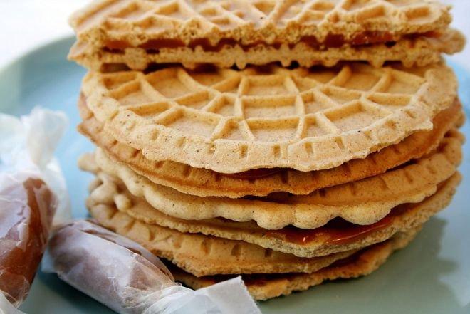 Холандски карамелени бисквити